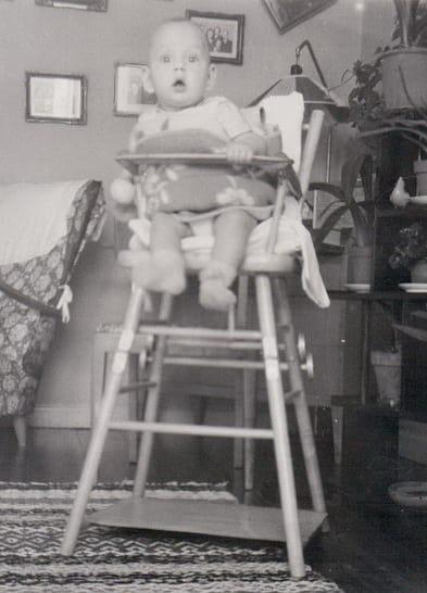 Verkstadsarbetaren Severin Hammarstedt och hans hustru Elvy adopterar en son